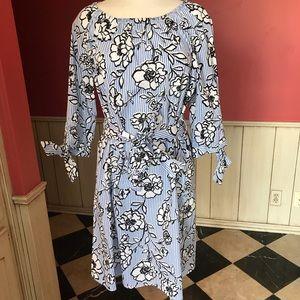 Como Vintage Off Shoulder Floral Shift Dress